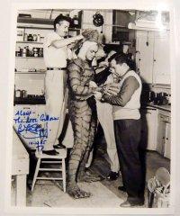 大アマゾンの半漁人(スーツアクター ベン・チャップマン)直筆サイン入りUS版オリジナルスチール写真